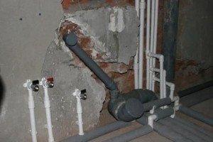 поради по монтажу каналізації та водопровідних труб